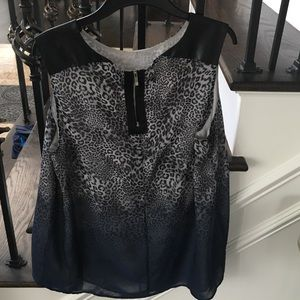 Vince Camuto sleeveless blouse size L