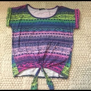 Deb Tops - Multicolored tribal inspired tee