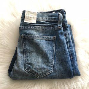 Size 25 Current Elliot stiletto jean in guthrey
