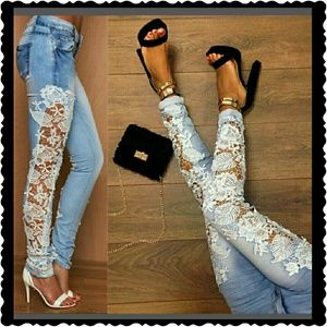Denim - Floral design jeans