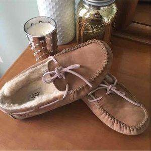 Uggs chestnut Dakota slippers size 7