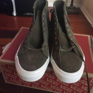 Vans Shoes - Vans Unisex SK8 Green/Blanc Suede Sneakers