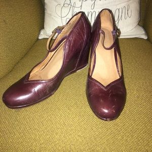 Frye Shoes - vintage style Frye Wedge Mary Janes