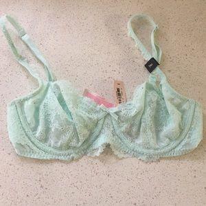 Victoria's Secret Other - New! 34C Victoria's Secret unlined bra