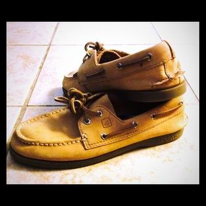 Sperry Top-Sider Other - ⚓️ Boys Sperry Topsiders Classic Tan Sz 5. ⚓️ NWOT