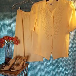 CB New York  Dresses & Skirts - CB New York Skirt Set SZ 16 Good Used Condition
