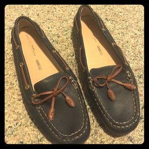 Rockport Shoes - Navy Loafers with brown bow accents