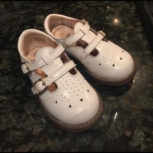 FootMates Other - Infant girl white shoes