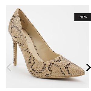 Anne Michelle Shoes - Snakeskin print pointy toe heel