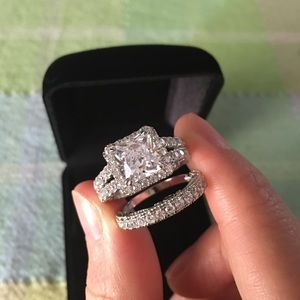 Jewelry - 2.8ct 925 silver engagement ring wedding band set