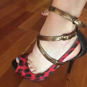 GUESS black and red leopard heels size 7 1/2