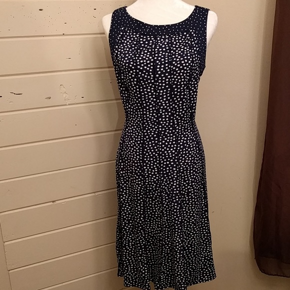 2f60891ed53 Perceptions polka dot navy blue sleeveless dress. M 58c23e684127d035a4015fc7