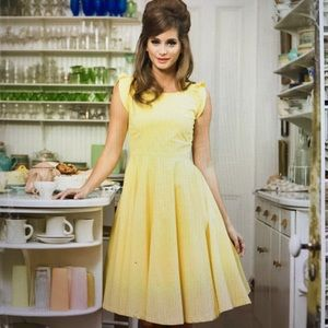 shabby apple Dresses & Skirts - Shabby Apple in a cinch yellow bow dress 2 small