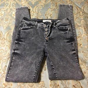 Gray Wash Bullhead Skinny Jeans