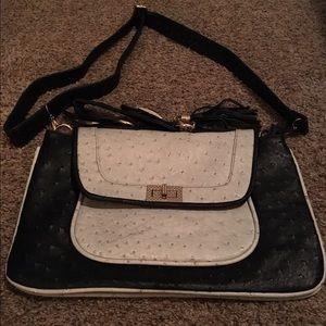 Handbags - Nwot Trendy multi use black & grey ostrich Handbag