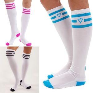 Ivivva Accessories - NWT Ivivva Kick It Knee Socks M/L