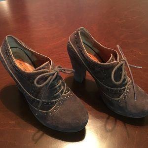 Miz Mooz Shoes - NEW🎉Miss Mooz Suede Oxfords