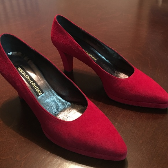 5c6390f4fede SALE🎉Anne Klein Couture Red Suede Heels