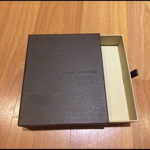 MENS AUTHENTIC LOUI VUITTON  WALLET BOX
