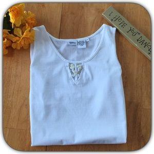 Spiegel Tops - NWOT Dainty Spiegel White Flower Insert Tank Top