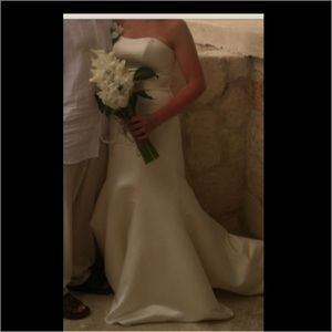 Mermaid/trumpet style wedding dress