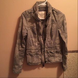 Abercrombie & Fitch women's camouflage jacket s