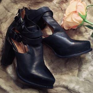 Jeffrey Campbell Shoes - ⚡️SALE⚡️Jeffrey Campbell Asper Ankle Bootie Heels