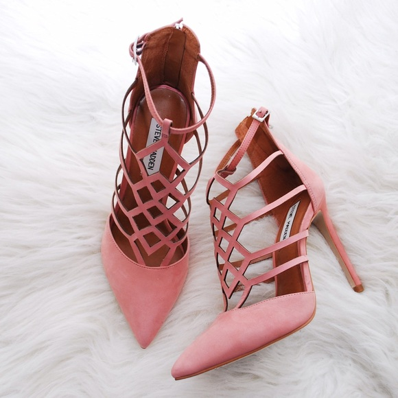 huge selection of 06997 d6096 Steve Madden Sonillo Cut Out Blush Pink Heels