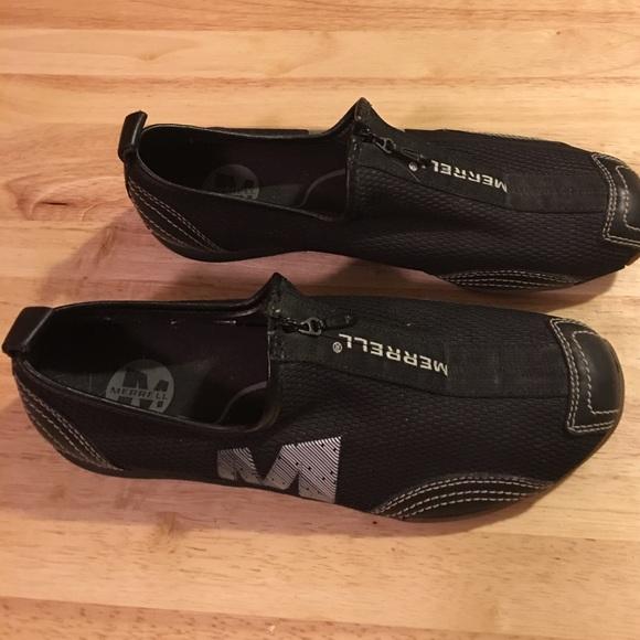 Merrell Shoes - Merrell Women s zip up sneakers   Size-8 12.00 baca8e85a