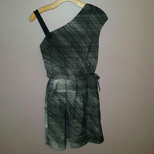 EUC Gap asymmetrical dress with pockets!