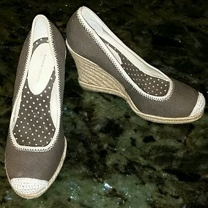 Banana Republic Brown Wedges 7