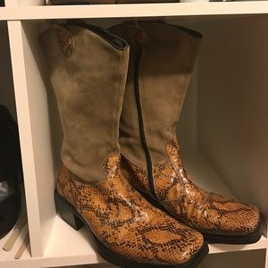 Rasker Other - Rasker brand suede & snake print cowboy style boot