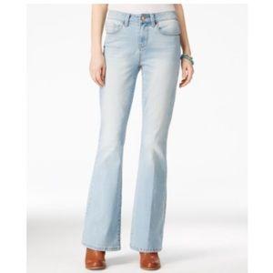American Rag Light Wash Flared Jeans. B017