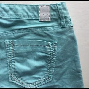 Maurices Pants - << turquoise shorts >>