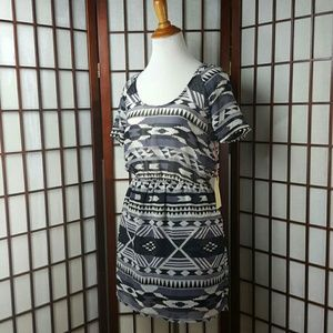 Band of Gypsies Dresses & Skirts - Band of Gypsies Geometric Casual Dress Size S