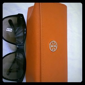 Square Tory Burch sunnies