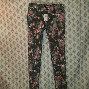 Celebrity Pink Denim - NWT floral jeans from delias