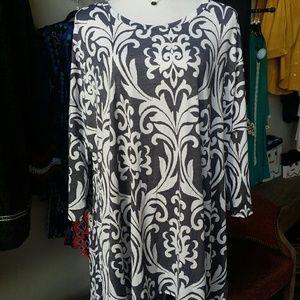 Gray and white tunic