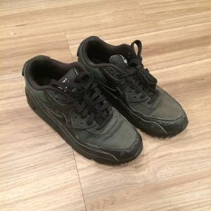 Nike air max size 7 black faded