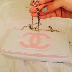 CHANEL Handbags - AUTHENTIC CHANEL PINK/WHITE BAG VIP GIFT