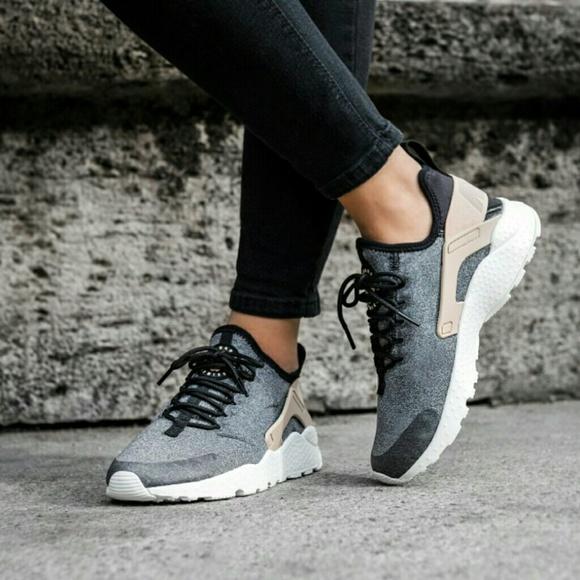 c6e030ddbe2d18 Nike Air Huarache Run Ultra SE in Vachetta Tan. M 58ae886d56b2d62406000121