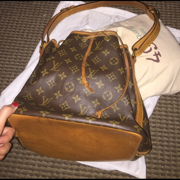 dd2db2490c7 Louis Vuitton Handbags - Vintage Louis Vuitton petite Noe drawstring bag