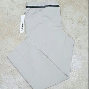DKNYC Pants - 🆕DKNY Khaki Pants