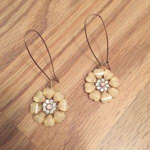 NWOT flower dangle earrings