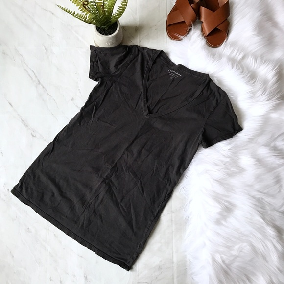 Everlane v neck tee shirt Sz S Small