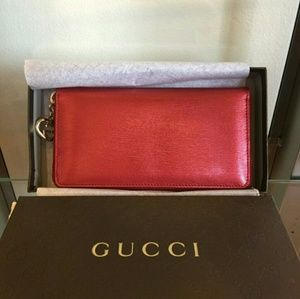 Gucci Handbags - Nwt gucci zip around wallet