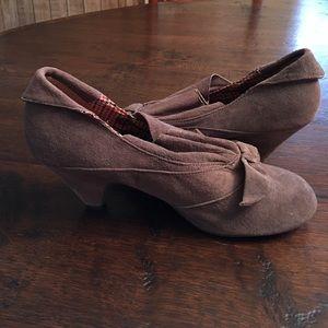 BC Footwear Shoes - NWOT BC Footwear slip on kitten heel booty size 8