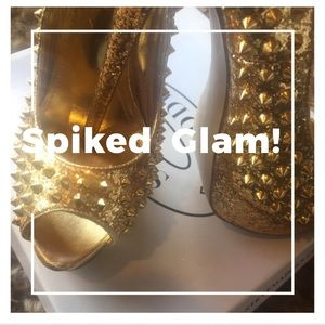 STEAL THE SHOW GOLD SPIKED PEEK-A-BOO PUMPS