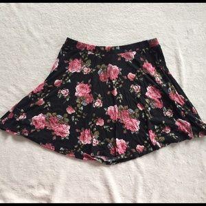 Rue 21 Dresses & Skirts - floral rue21 skirt size XL