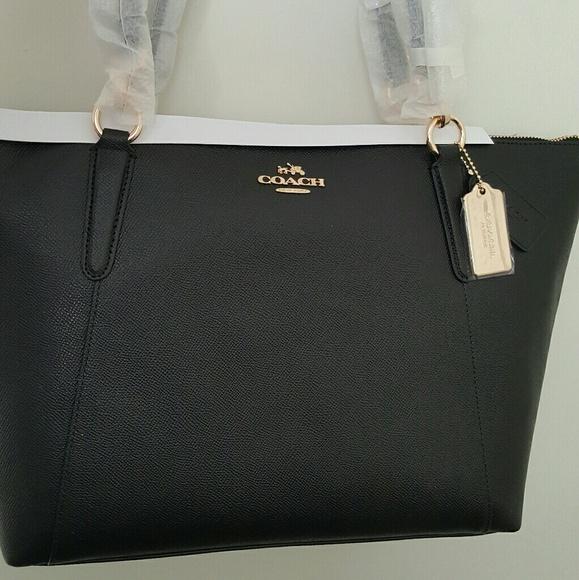 NWT Coach crossgrain leather Ava tote in black. 6fb6e2614b1cb